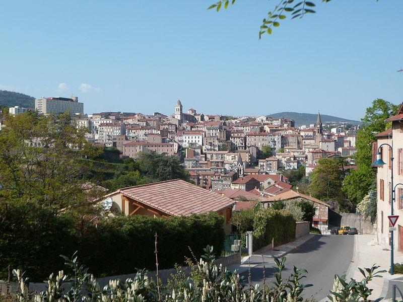 Acheter une maison à Annonay pour vivre au calme près de Saint Etienne.